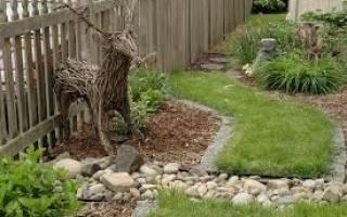 Декорирование садового или дачного участка с помощью пластиковых бутылок, камней и т.д. Видео