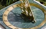 Как сделать солнечные часы своими руками из виниловой пластинки и масляных красок