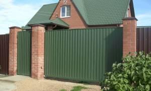 Заборы для дачи из профнастила и других материалов – как построить и украсить