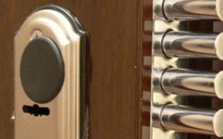 Каким должен быть дверной замок для дачного домика?